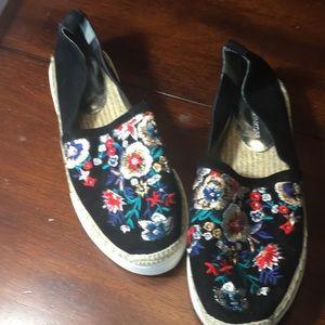 Gorgeous Floral Print Rebecca Minkoff Flats Size 7
